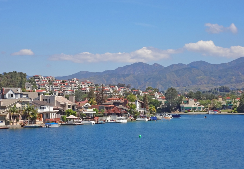 Lake Mission Viejo and Tres Vistas Homes